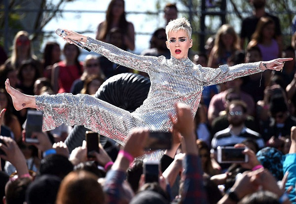 Katy Perry Becomes First Person to Reach 100 Million Twitter Followers