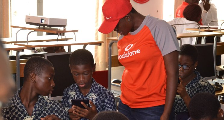 Students embrace Vodafone's Instant School Programme