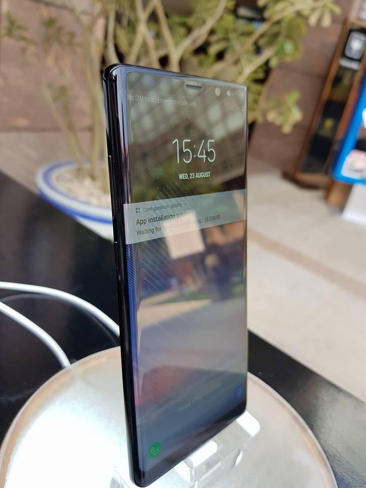 Samsung unveils Note 8