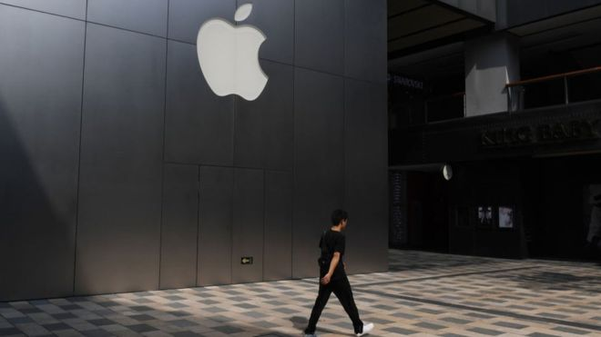 Apple suffers 'major iPhone X leak'