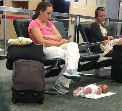 The mother shamed for putting her baby on airport floor speaks out about what really happened