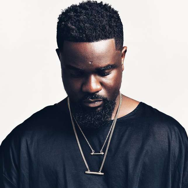 Videos: Sarkodie Involved In An Accident