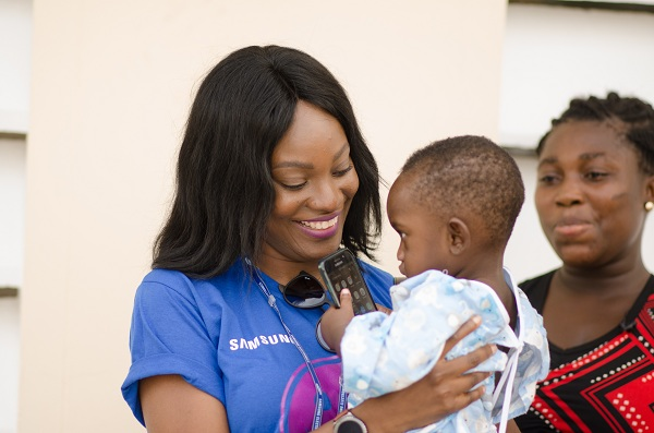 Samsung Ghana and Samsung Retailers Volunteer In Koforidua to Support Operation Smile