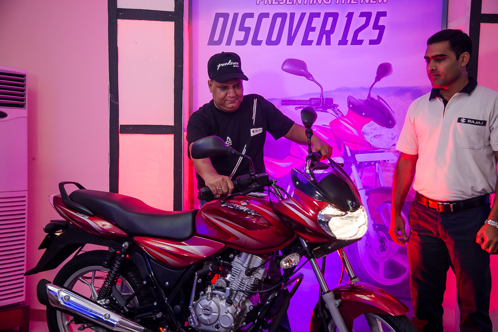 Somoco Introduces The New Pulsar 220 And Discover 125 Motorbikes