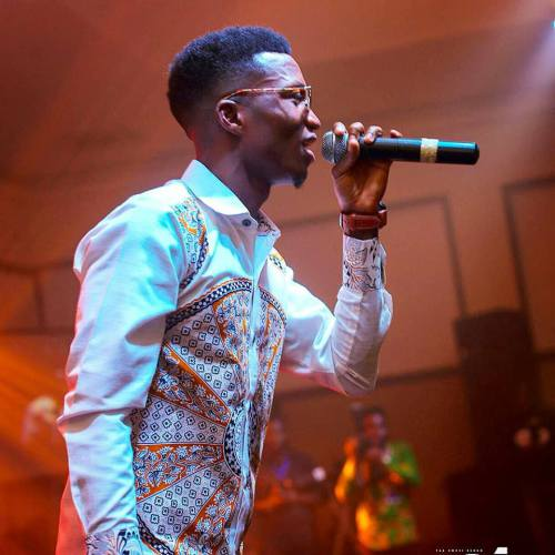 Watch: Kofi Kinaata's 'The Whole Show' live session