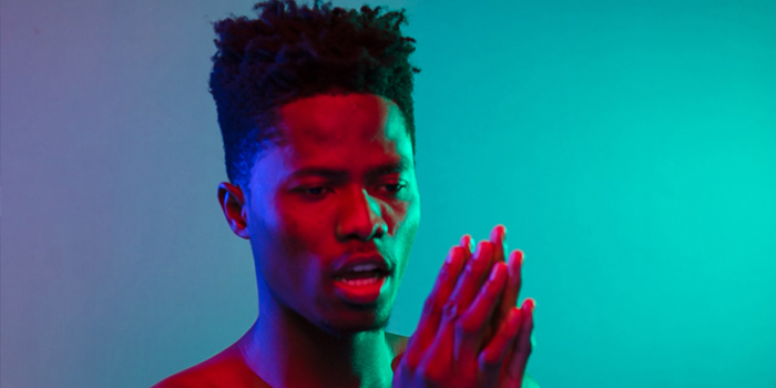 Watch: Kwesi Arthur thrills Londoners with farewell show