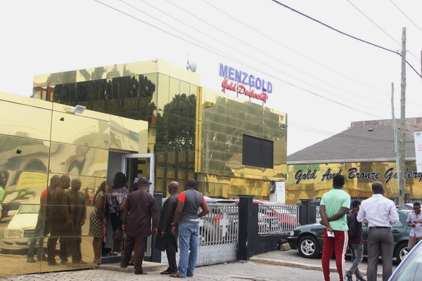 Menzgold halts gold vault market temporarily