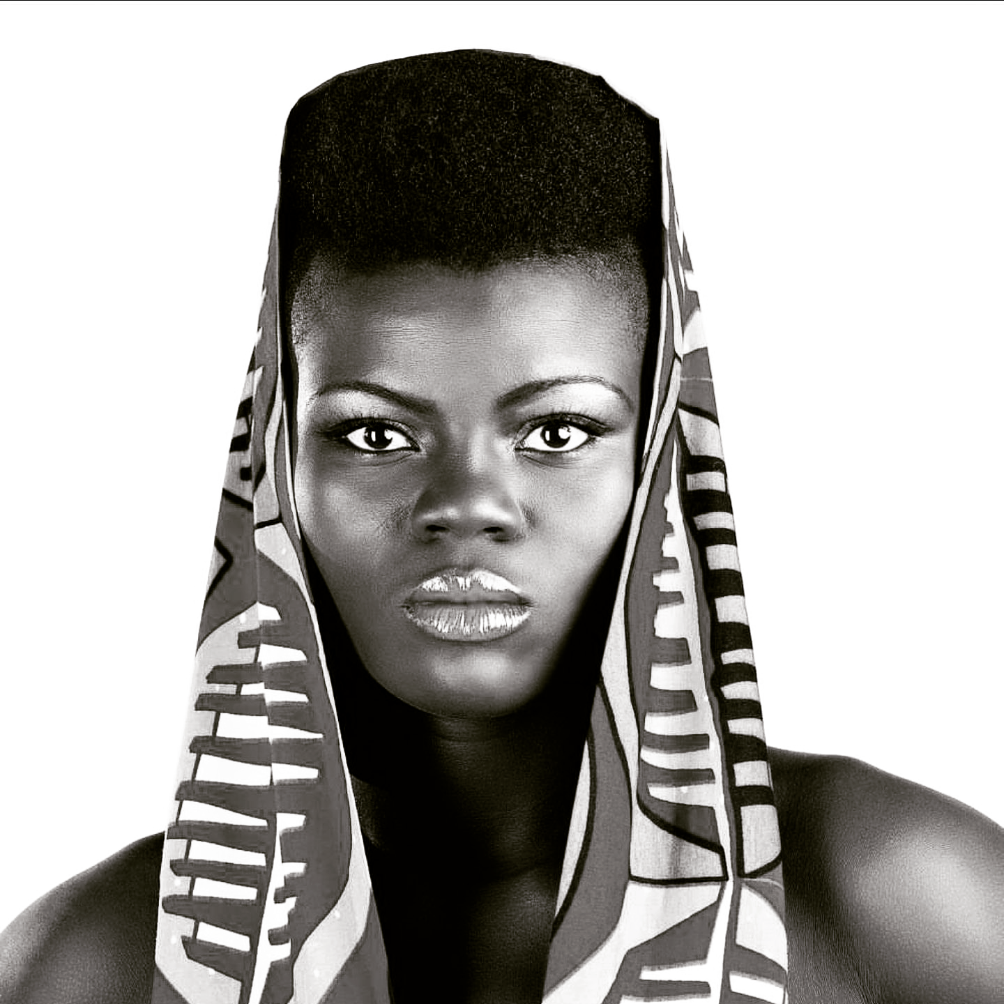 Watch: Wiyaala Brings AMPE Challenge To London! And They Love It!