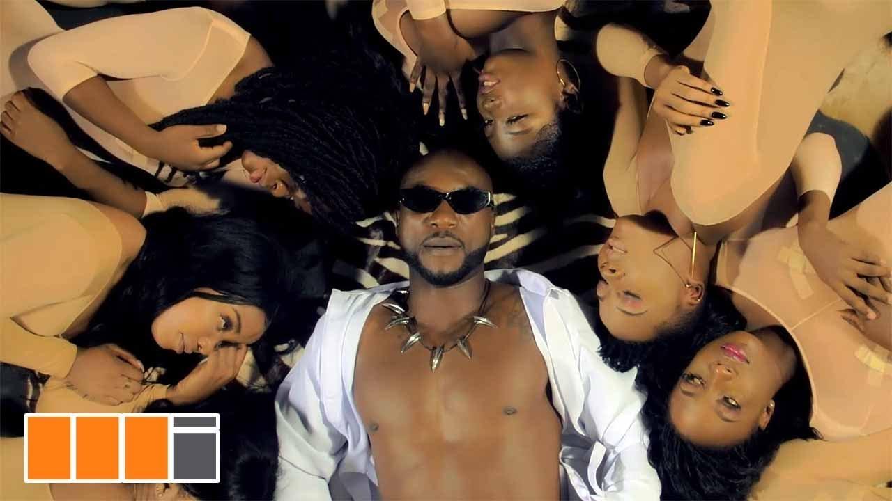 Watch: Kwabena Kwabena premieres visuals for 'Tokro'