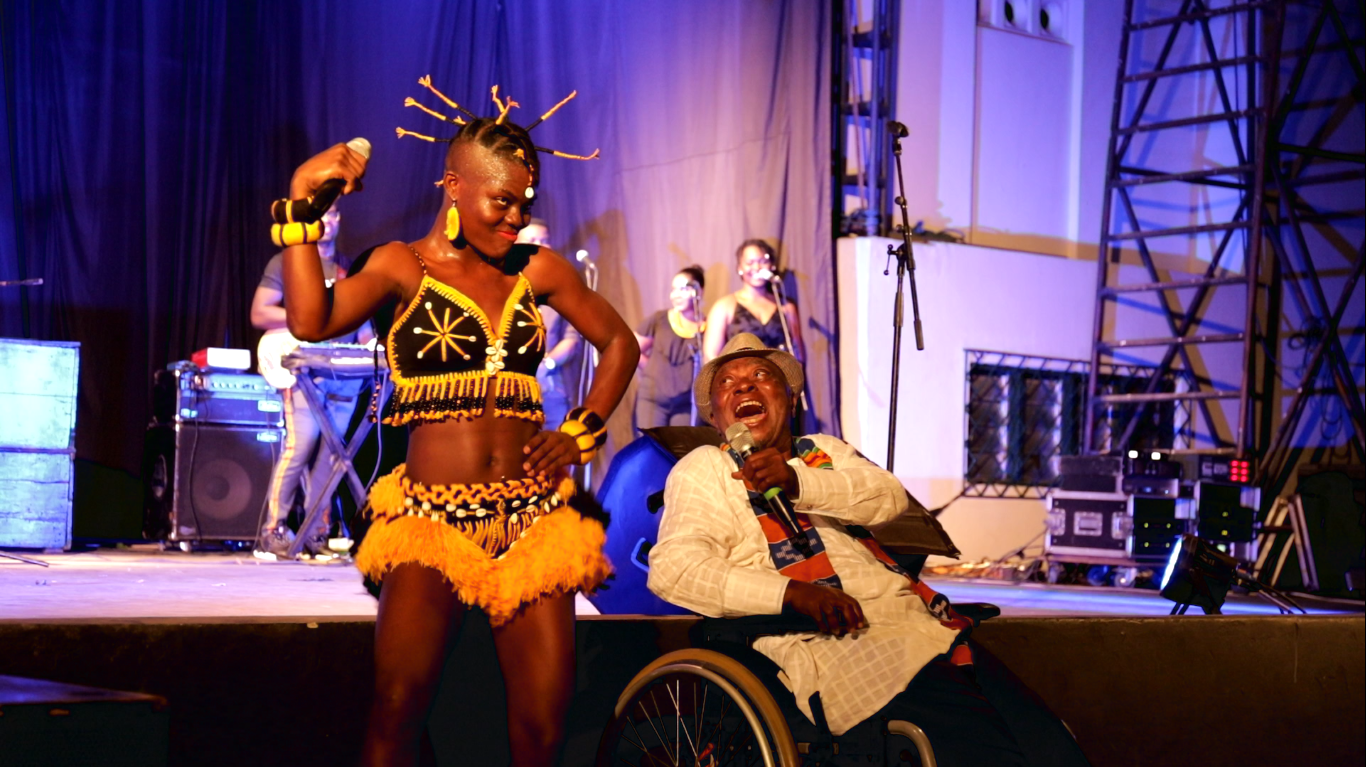 "Osibisa's Teddy Osei blesses Wiyaala at ""The Lioness Concert"""