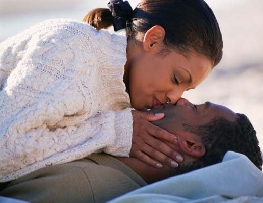 10 Things guys secretly hate about kissing