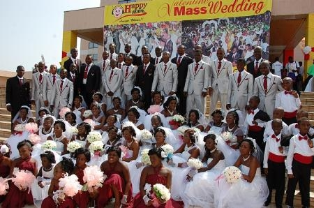 HAPPY FM TO RENEW MARRIAGE VOWS ON VALENTINE'S DAY