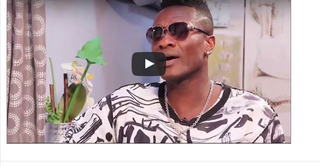 """VIDEO: Asamoah Gyan Reveals- """"I slept with Sarah Kwabla in my dirty training kits"""""""