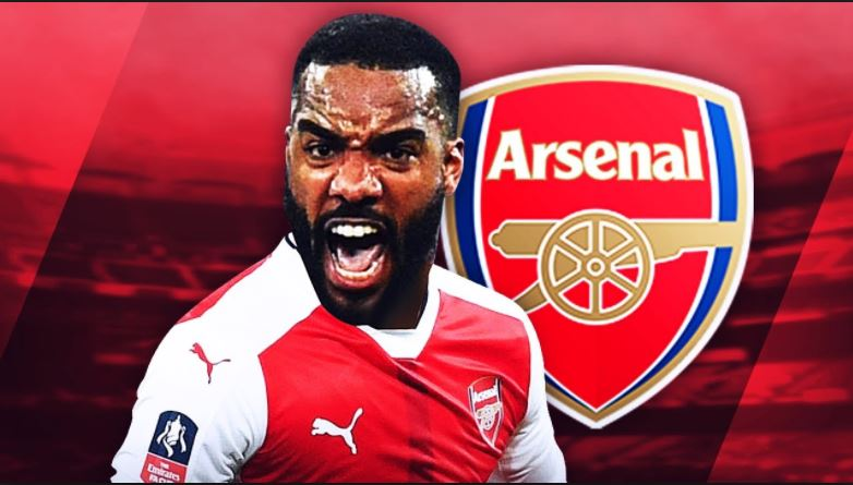 Alexandre Lacazette completes medical at Arsenal ahead of record deal
