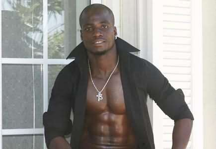 Stephen Appiah urges footballers to stay fit for wives