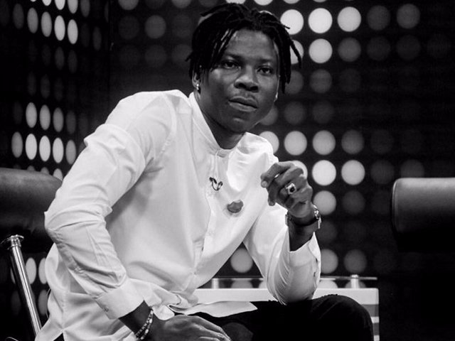 Video: Stonebwoy shows class as he acknowledges dancehall rival Shatta Wale at 2018 VGMA
