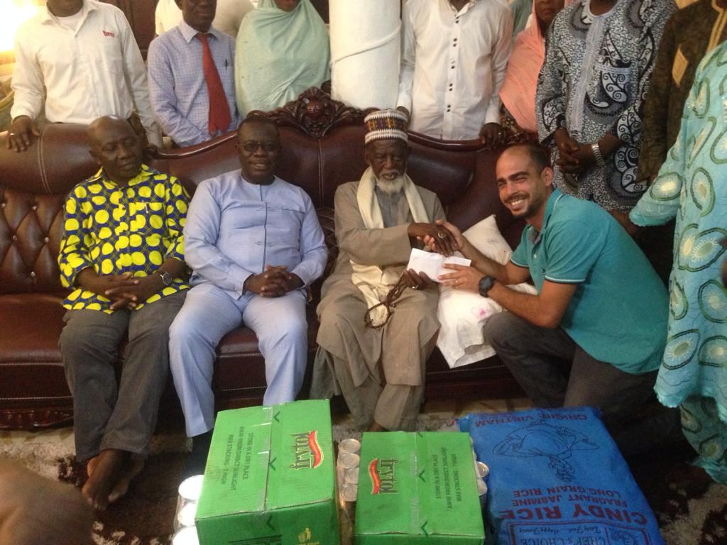 Papaye Fast Food donates to Chief Imam in support of Ramadan