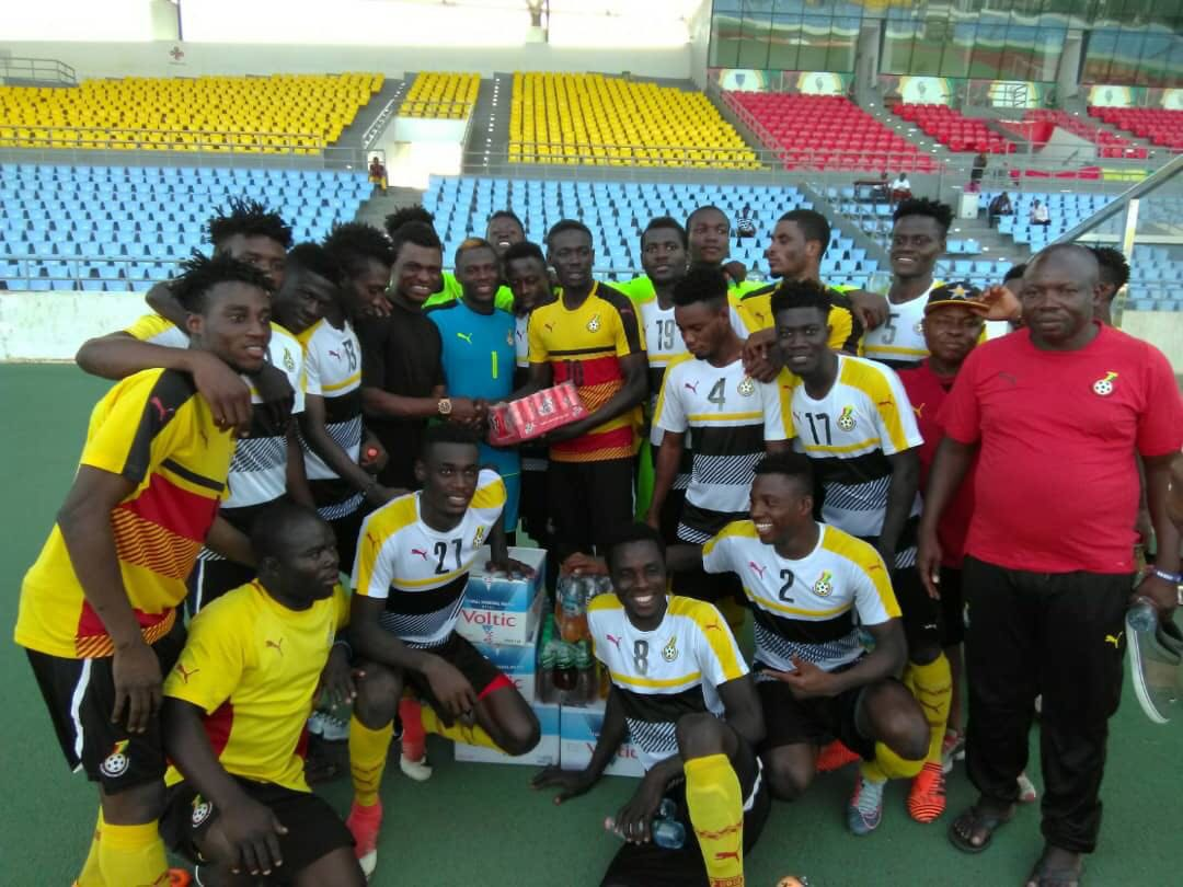 Rashid Sumaila donates items to Black Satellites ahead of Algeria clash