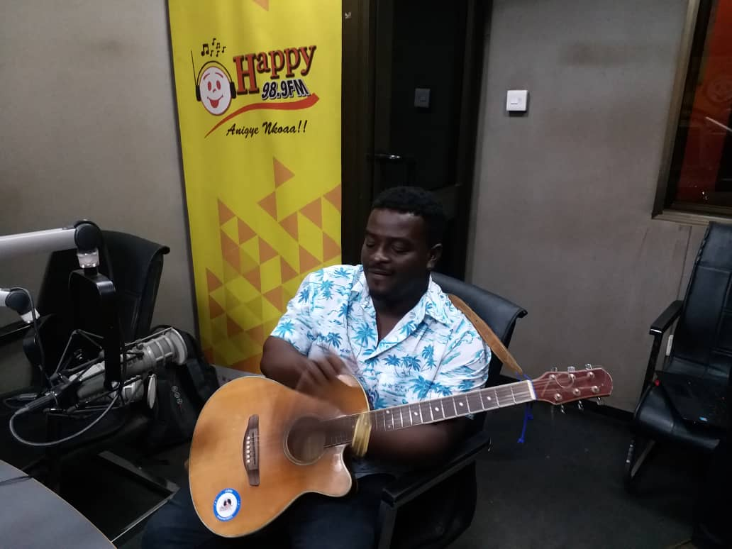 Nana Appiah hasn't profited from his artistes yet - Kumi Guitar