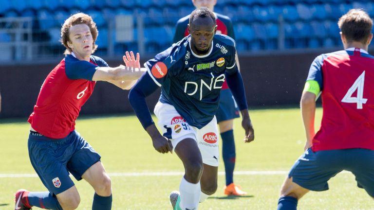 Usain Bolt plays signs for Stromsgodset?