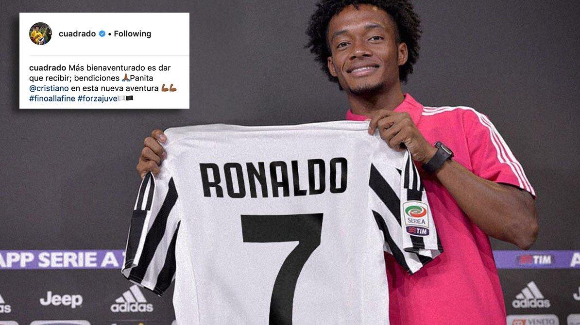 Cuadrado gifts Juventus No.7 shirt to Ronaldo