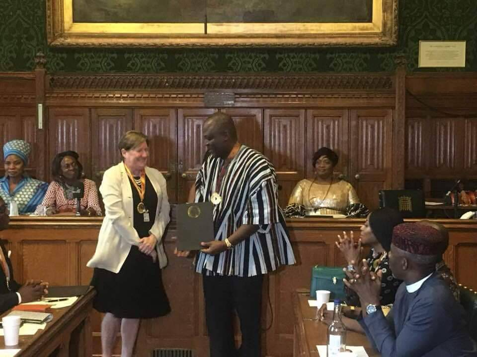 PHOTOS: Ibrahim Mahama honored in London; receives 2018 African Achievers' Award