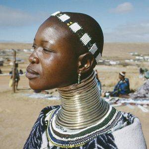 Beauty dimensions around Africa - Beauty is pain
