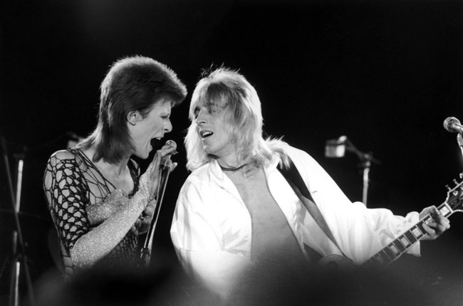 [trailer] Documentary About David Bowie Guitarist Mick Ronson