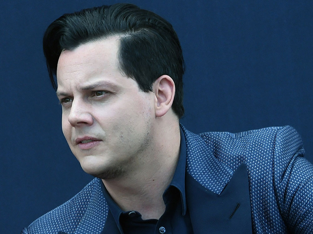 Jack White bans mobile phones at concerts