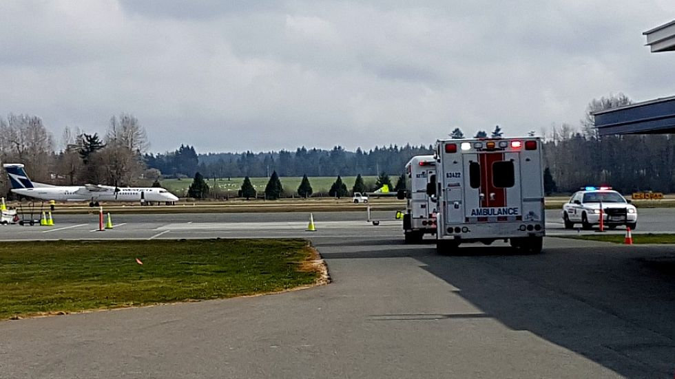 Plane filled with smoke makes emergency landing in Nanaimo