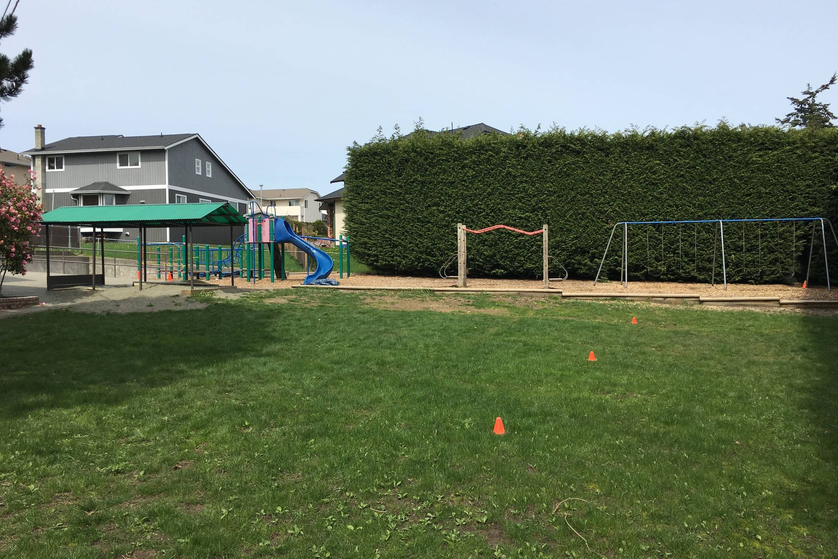 Discovery School needing votes badly to replace playground