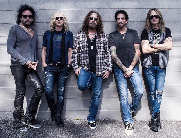 Former Mötley Crüe, Dio, Journey, Whitesnake, Red Phoenix, And Thin Lizzy Members Meld As The Dead Daisies
