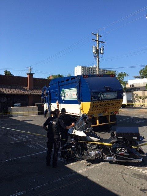 Man dies in dumpster/ garbage truck incident