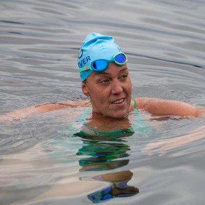 Victoria woman with MS attempts historic swim