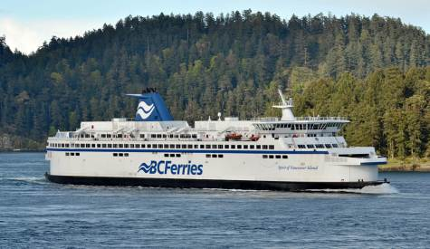 Training accident delays ferries for start of long weekend