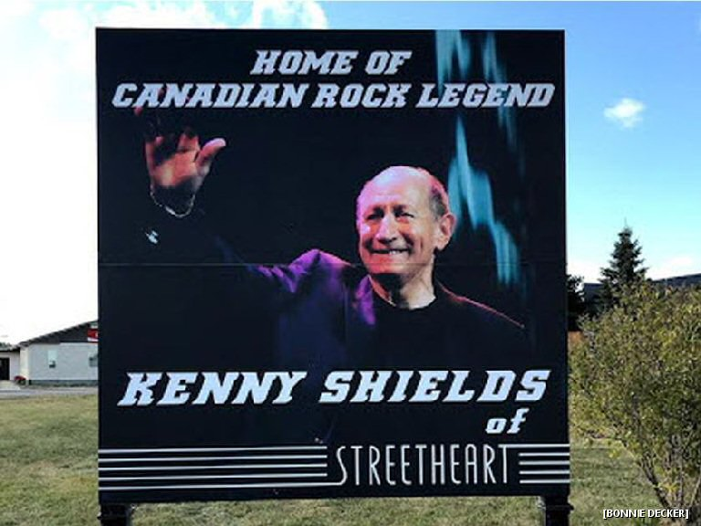 Kenny Shields Gets A Right Proper Shoutout From His Hometown