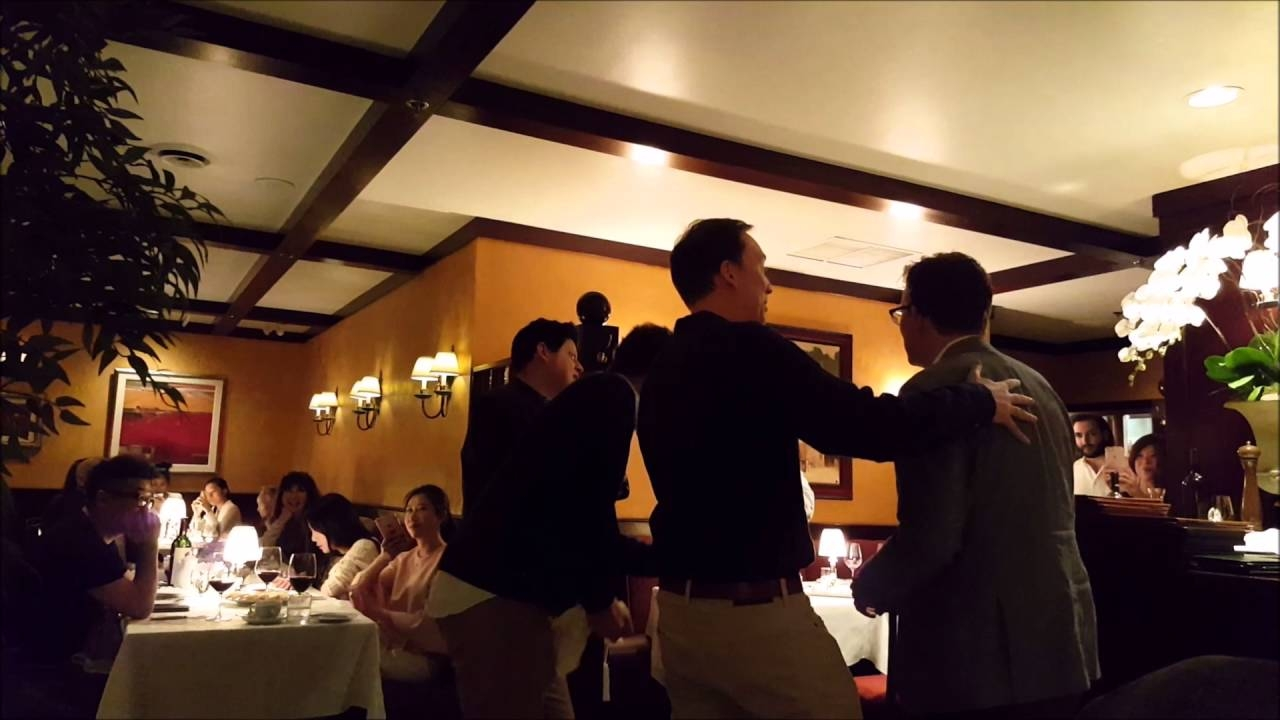 Jimmy Fallon Crashes Vancouver Restaurant with A capella Show