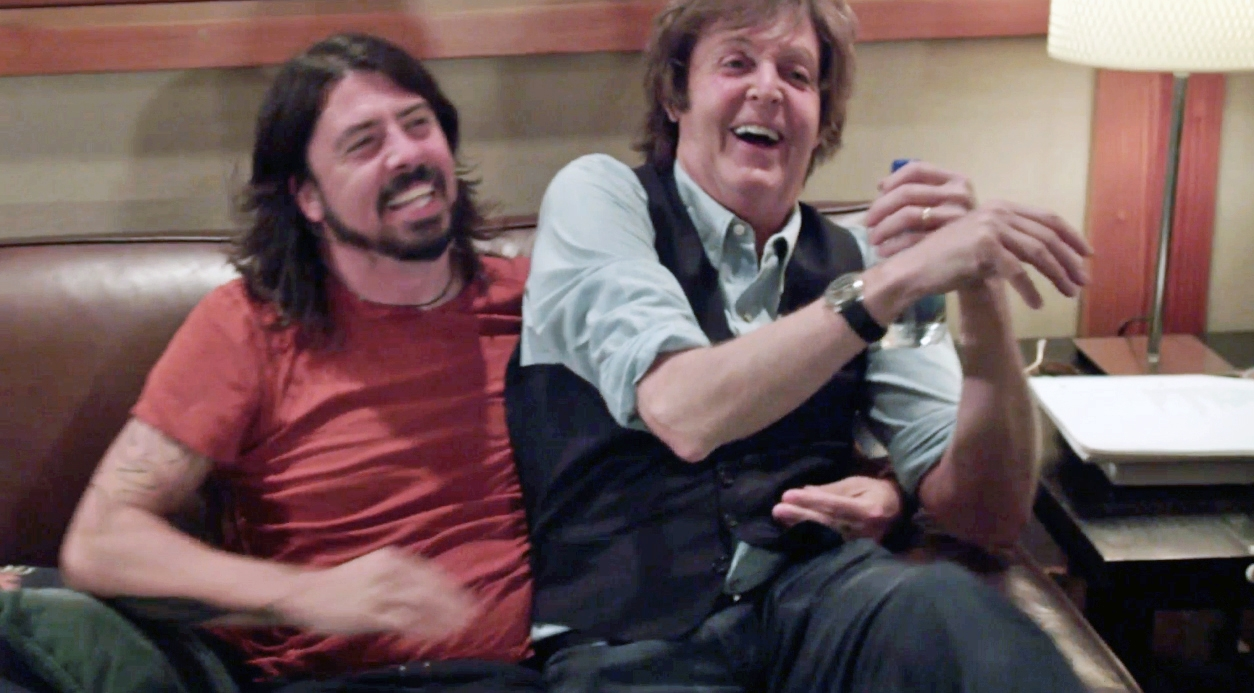 Dave Grohl labels Taylor Swift Batman {Watch}