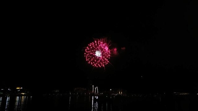 [WATCH/LISTEN]: YYJCanadaDay 2016 Fireworks Show