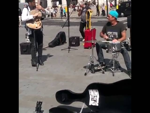 Chad Smith surprised some buskers in London