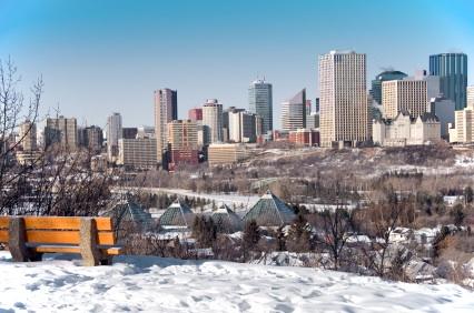 Former Edmonton Mayor Stephen Mandel joins race to be Alberta Party Leader.