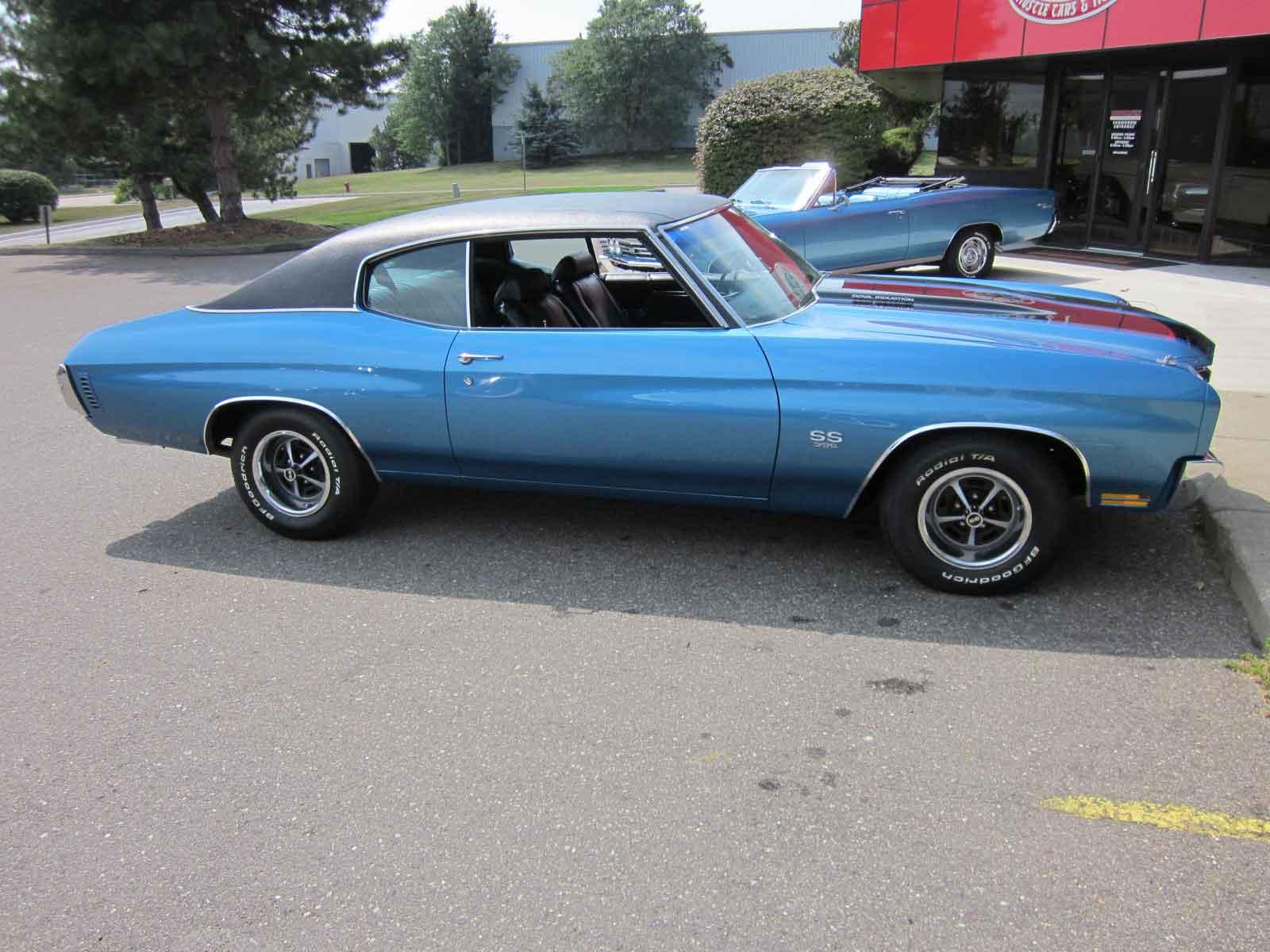 Calgary Police seeking public help to locate a stolen classic car