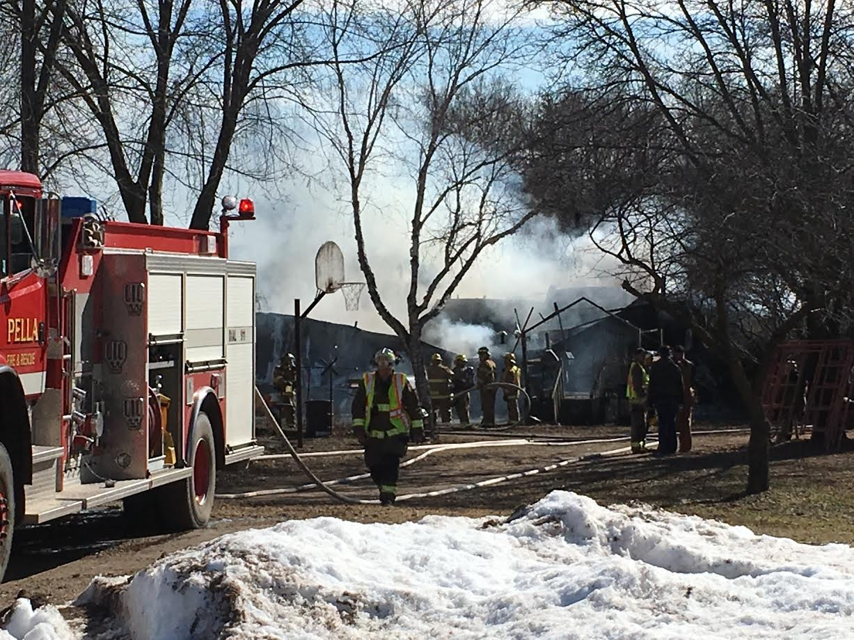 Fire crews called to house fire in Pella (Update)