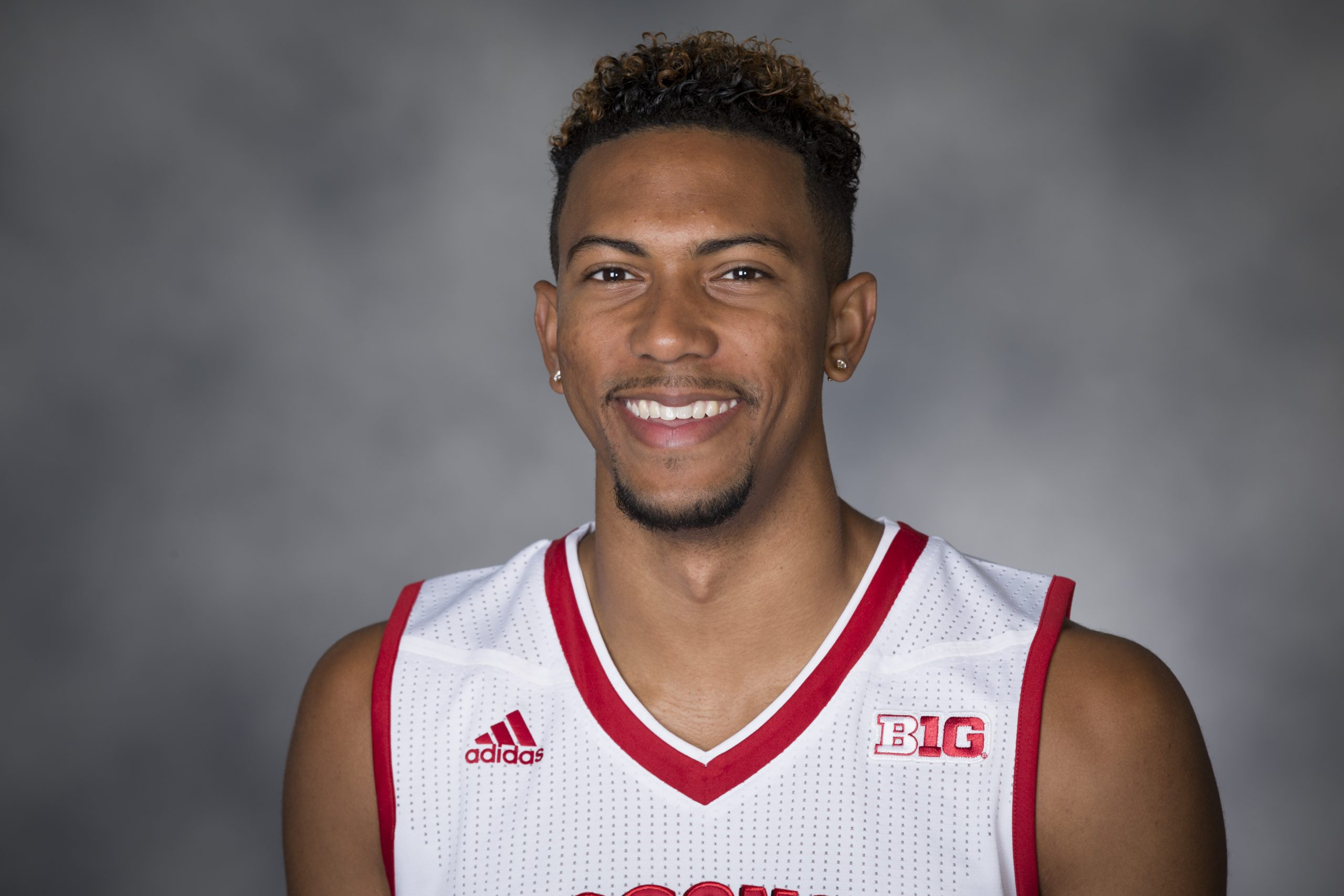 Hill leaving Wisconsin basketball