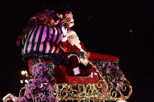 Clintonville Christmas parade tonight - Listen on WJMQ 92.3 fm