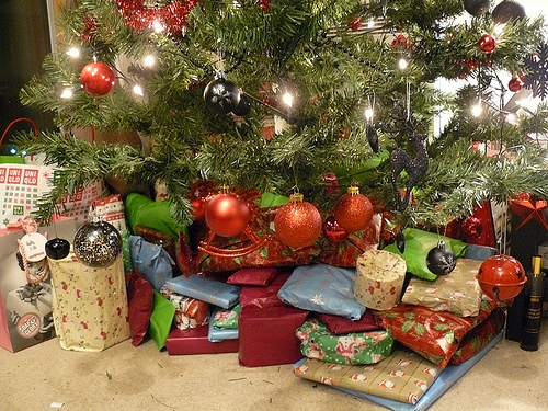 Clintonville Historical Society hosting Christmas display