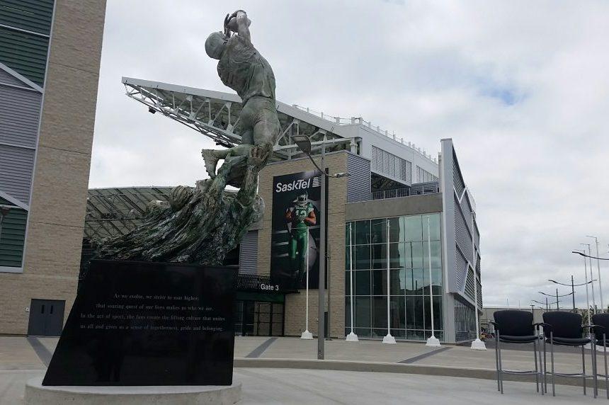 13th man statue unveiled at Mosaic Stadium