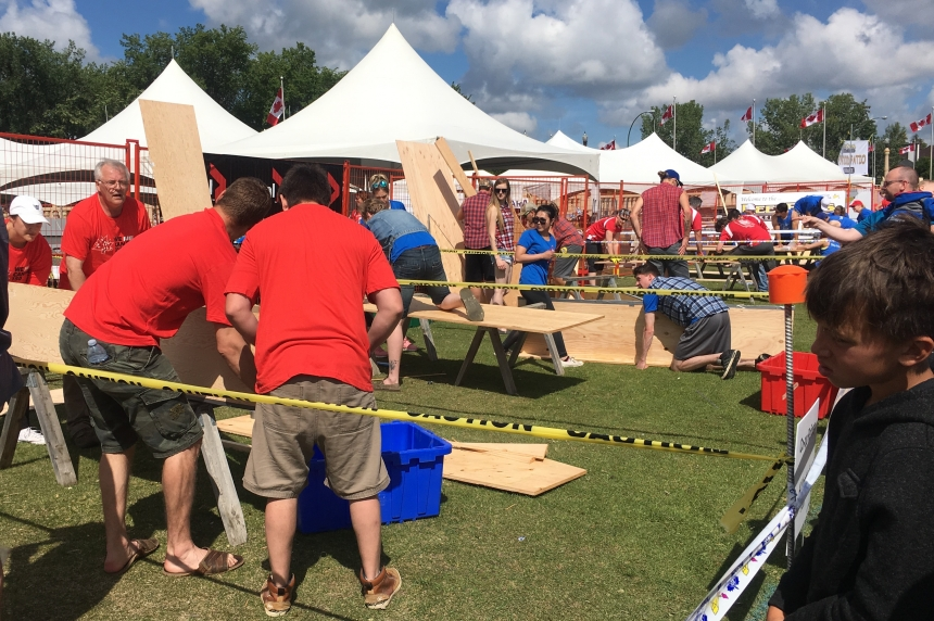 Plywood Cup takes over Wascana Lake for 13th time