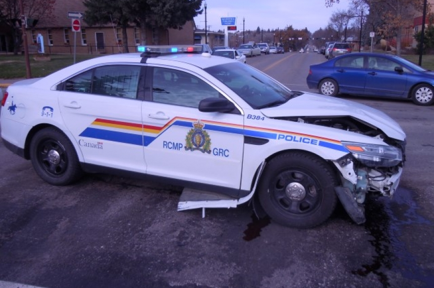 RCMP cruiser crashes in Swift Current