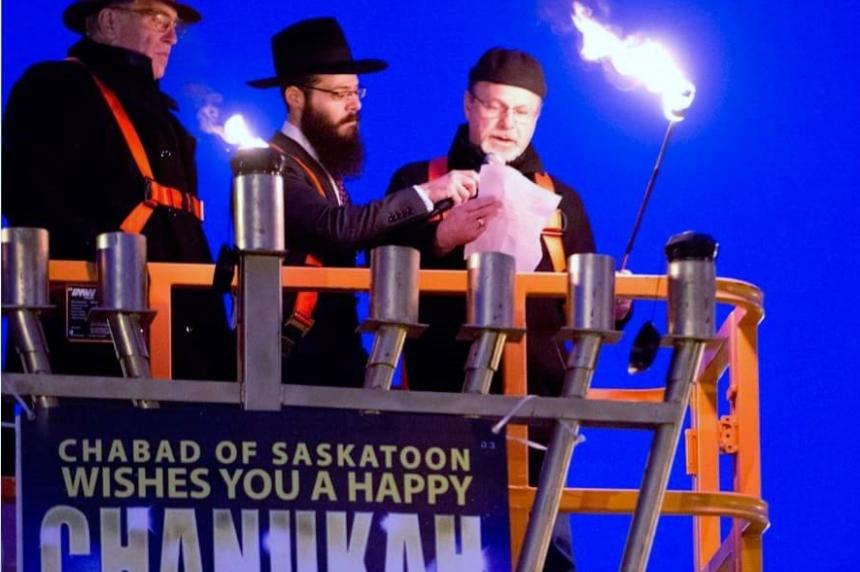 Saskatoon celebrates Hanukkah